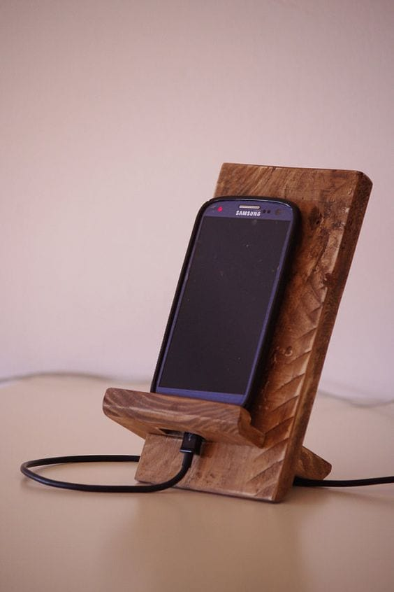 The Decent Mobile Stand
