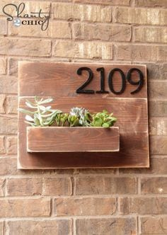 Wooden Wall Mounted Piant Pot