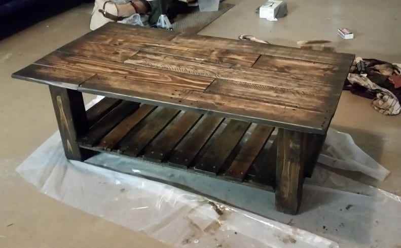How To Stain Pallet Wood