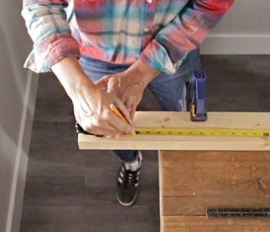 Using A Hand Saw Step 1