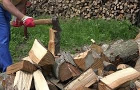 Using An Ax Or Maul