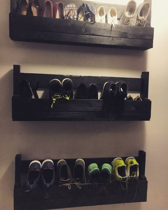 Hanging Pallet Wood Shoe Rack