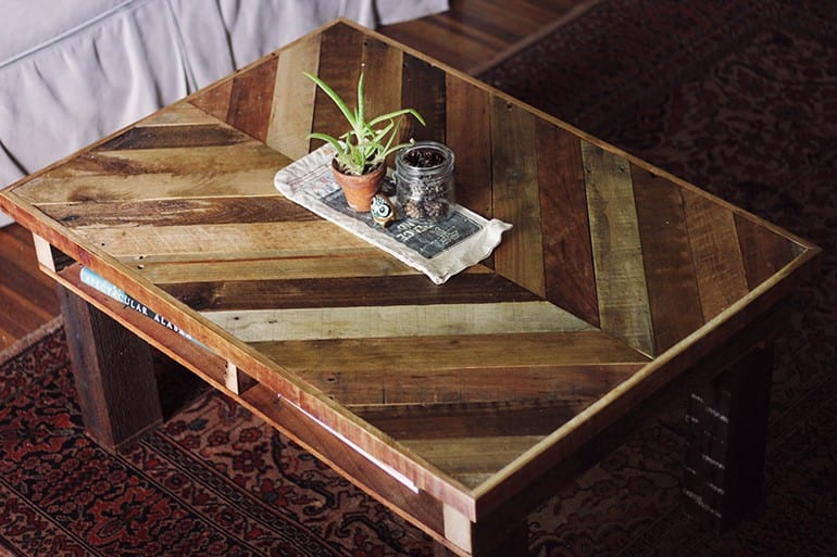 Sophisticated Diy Pallet End Table Plan