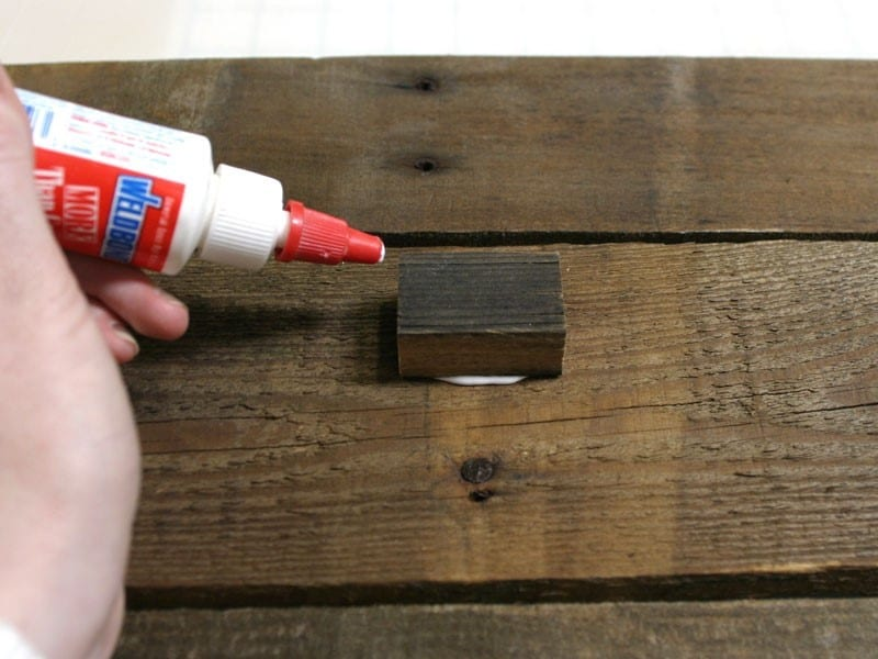 Step 1 How To Fix Metal To Wood Using Glue