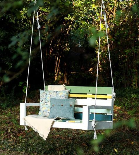 Colorful Porch Swing From Pallet Wood