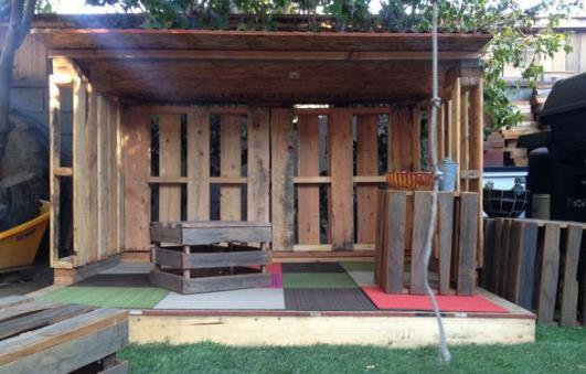 Rustic Pallet Playhouse By Built By Kids