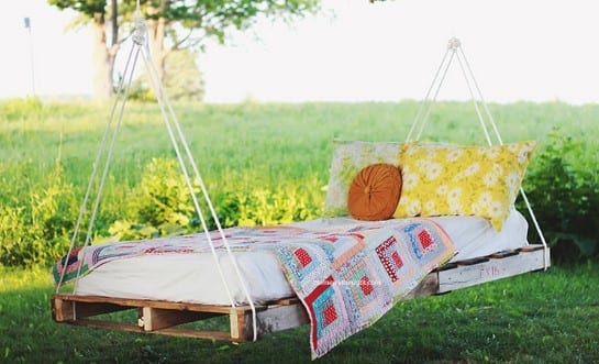 Summer Inspired Pallet Swing By The Merry Thought