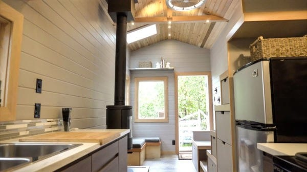 Super Modern Off Grid Tiny House 2