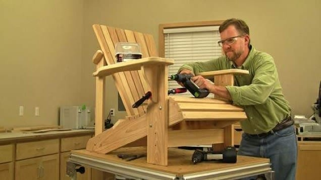 The Wood Employee Chair