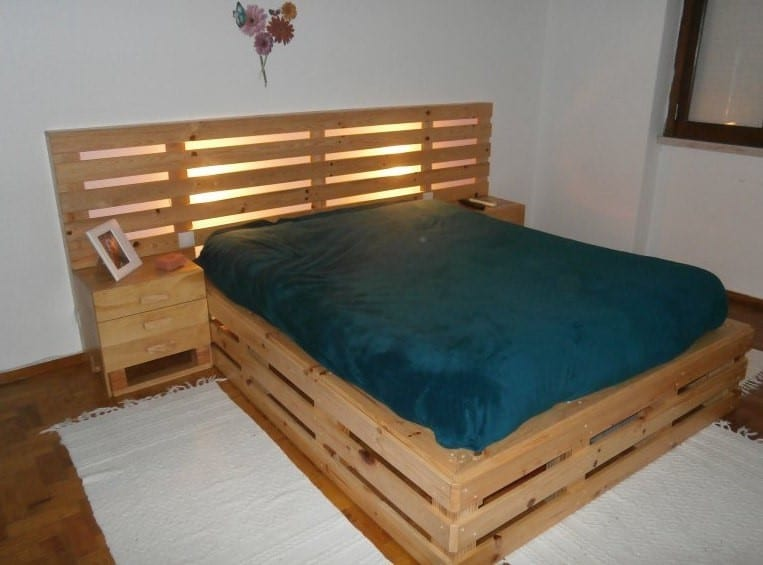 Creative Pallet Bed Frame Design