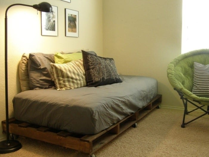 Day Bed With Pallet Bed Frame