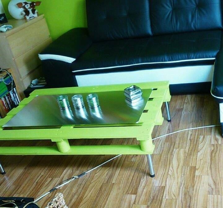 Green Pallet Coffee Table With Hairpin Metal Legs