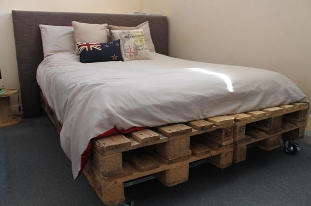 Simple Pallet Bed Frame 2
