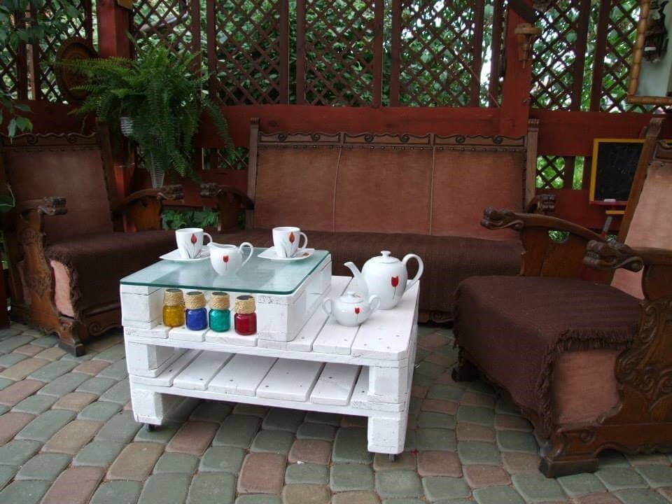 White Double Decker Pallet Coffee Table 1