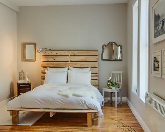 Wooden Pallet Bed Design With Legs